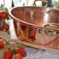 Mauviel Kupfer Konfitürentopf mit Erdbeeren