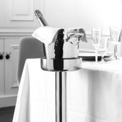 Champagnerkühler Alu mit Flasche auf Ständer