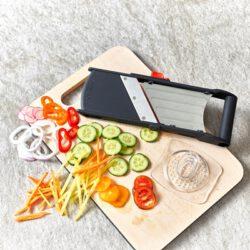 De Buyer 2018.00 Ultrakompakter Mini Gemüsehobel Gemüseschneider KOMI - www.toepfeboutique.de